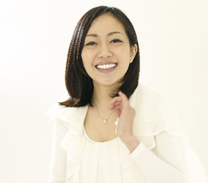 笑顔の女性のイメージ