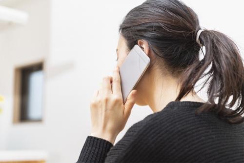 電話をするイメージ